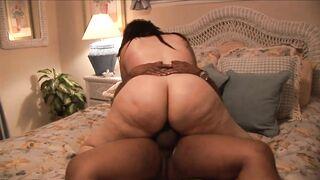Large Large Ebony Mommy likes Biggest KNOBS!!! - vol #03